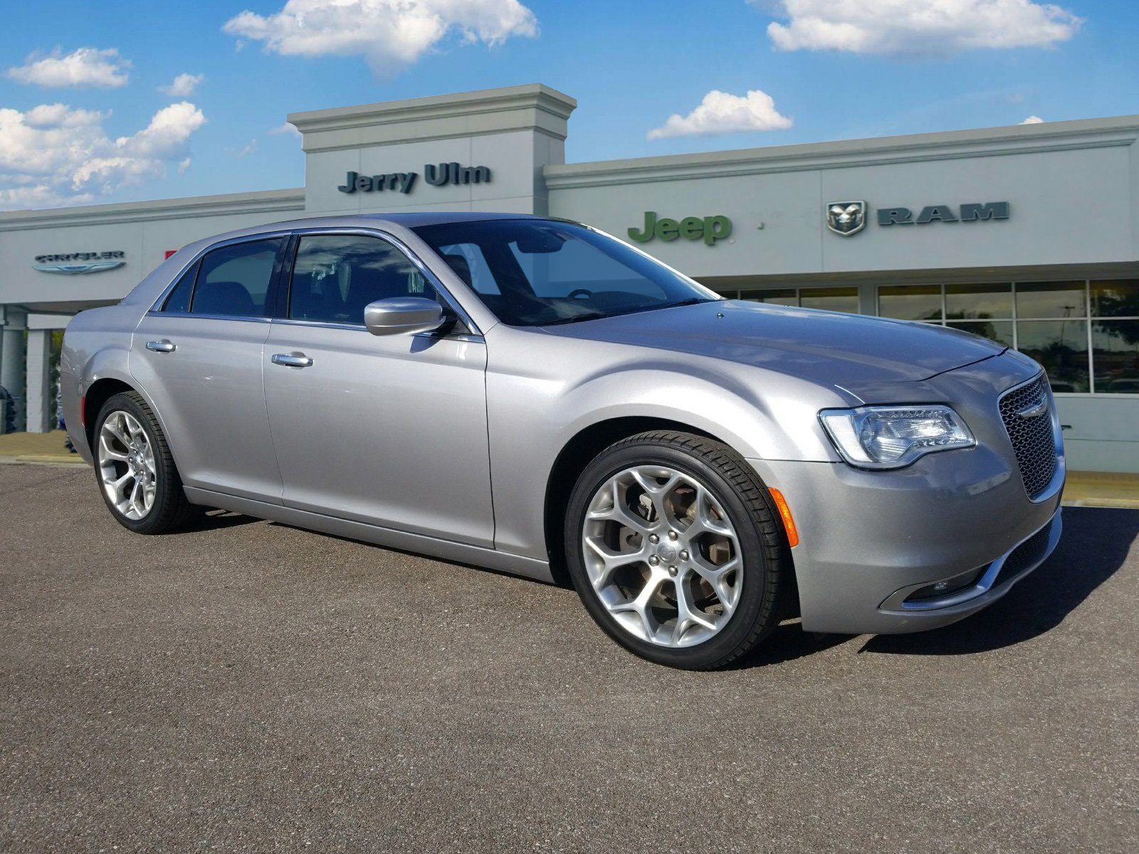 Certified Pre-Owned 2018 Chrysler 300C C
